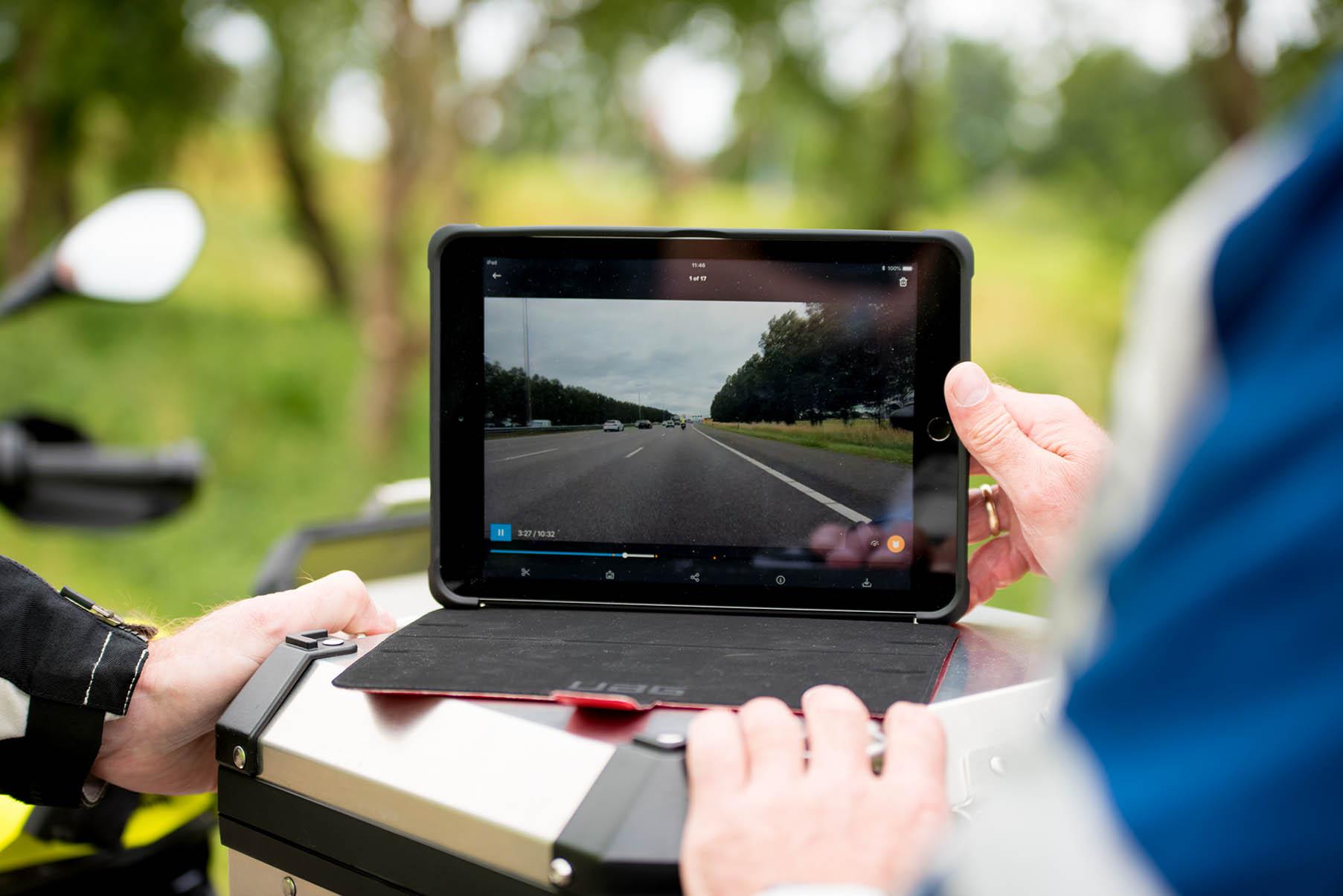 Motorprofessional videobeelden bekijken